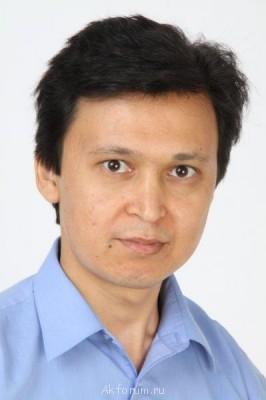 Саят Мусин, 36 лет - 1-Портрет.jpg