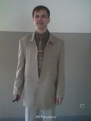 Актерское агентство «Альфа Кастинг» - по колено в бежевом костюме.jpg